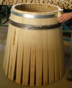 Shell of the barrel with insert of the hoops for hold TONNELLERIE SIRUGUE